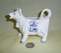 Washington DC souvenir cow creamer