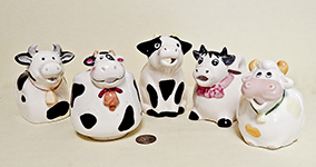 5 small squat cow creamers
