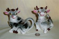 Grey cow creamer & sugar with S&P heads
