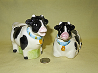 Brazilian Holstein cow creamer & sugar