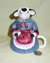 Three piece lady cow with apron creamer & sugar