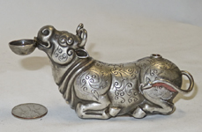 Silver Chinese suiteki of kneeling bull