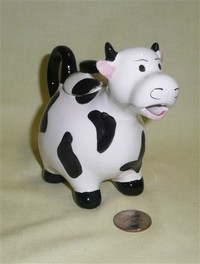 Small French Editions Atlas cow teapot