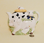 pig/cow/cat teapot stack